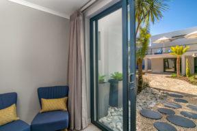 Familienzimmer Mit Balkon Und Blick Auf Die Lagune